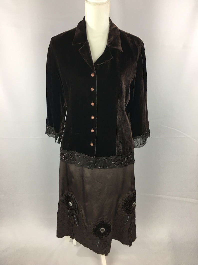 Brown Satin Ankle Length Skirt with Quilted Bottom and Velvet Flowers 1980/'s