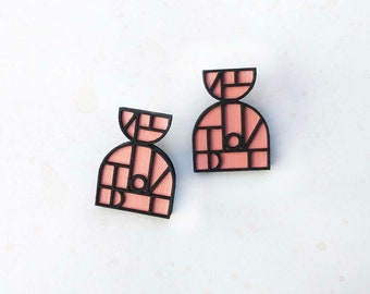 Iona Earrings in Pink