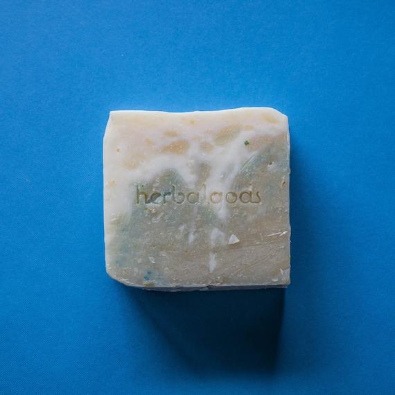 Eucalyptus & Aloe Soap (1 Bar) | Handmade | Artisinal Soap | Happy Face