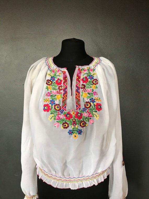 Vintage Hungarian 30s blouse