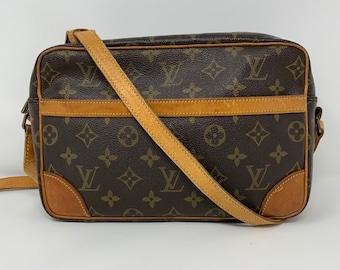 889d4200cf41 Authentic Louis Vuitton Tracodero 24 Crossbody Bag