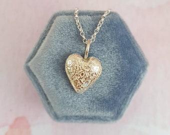 Vintage lace heart silver pendant