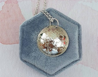 Floral etched sterling silver pendant