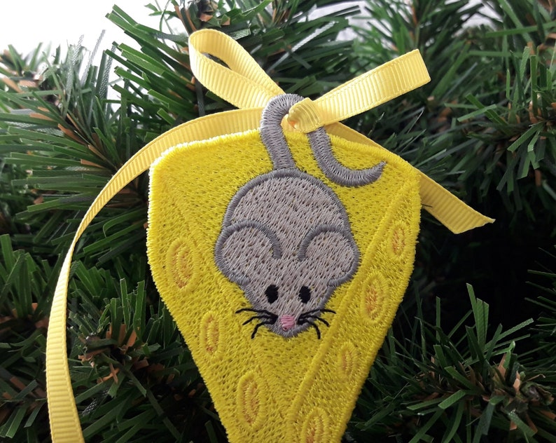 Free Standing Lace Instant Download Machine Embroidery Design 4\u04454 hoop FSL mouse on a piece of cheese