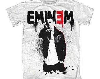 Eminem gifter om sig