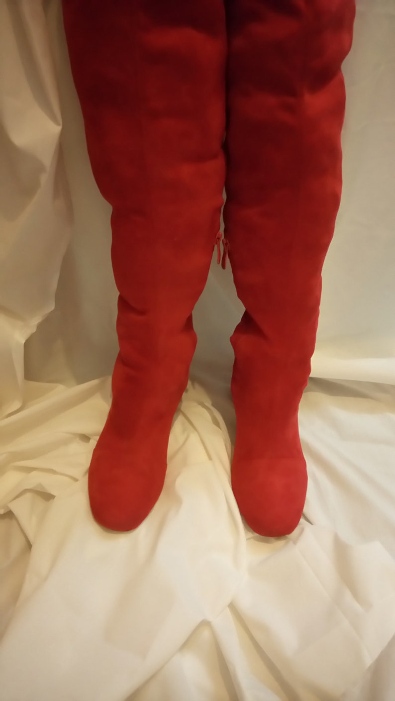 52895b9ee81 1960 s style over the knee red Gogo boots