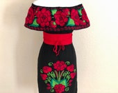 Off the shoulder Mexican Dress, Mexican Embroidered Dress, Mexican Peasant Dress, Vestido Campesina Bordado, Fiesta Dress, Mexican Dress