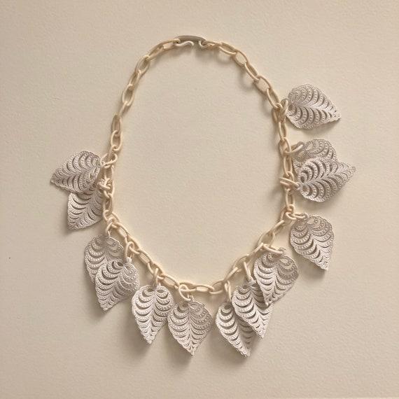 Vintage 1940s celluloid leaves necklace,  1950s 19