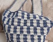 Shoulder bag: crocheted, linen, blue and ecru