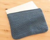 Laptop sleeve from recycled cotton