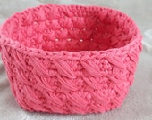 Lovely Basket : crocheted in pink ribbon cotton