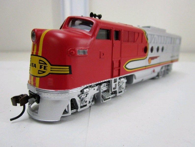 Bachmann Ho Scale Locomotive Train Diesel Santa Fe Flyer Dcc Etsy