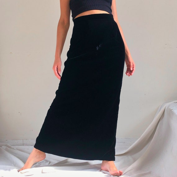 Vintage 90's black velvet maxi skirt/ long goth s… - image 2