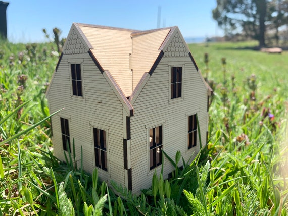 Miniature PEI Farmhouse