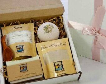 Lavender Spa Gift Set - Made in Canada, Mother's Day gift, All Natural, Gift, sisters gift, birthday gift, Vegan, Eco-Friendly, Clay Mask,