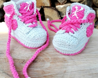 White crochet sneakers for newborn baby. Booties made cotton.  9a25d861f