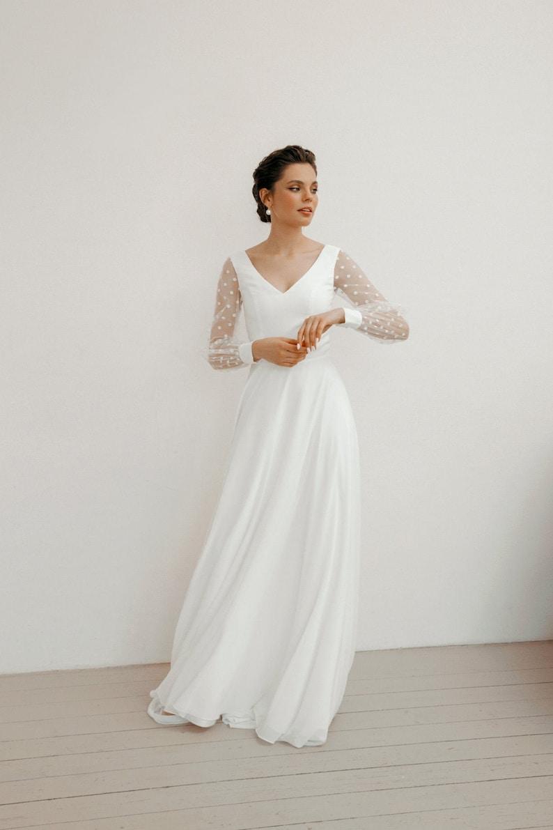 Modern minimalist wedding dress chiffon wedding dress Simple image 1