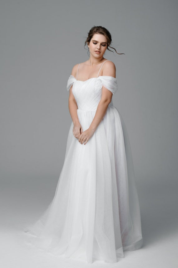 Plus size tulle wedding dress, Color wedding dress, Made to measure wedding  dress, Simple wedding dress, Romantic, Bridal Gown