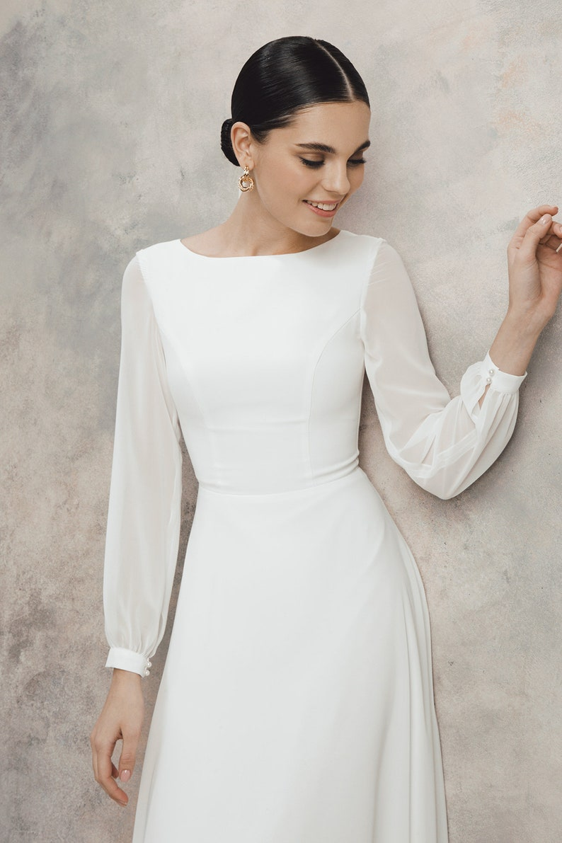 Short wedding dress Chiffon wedding dress simple wedding image 1