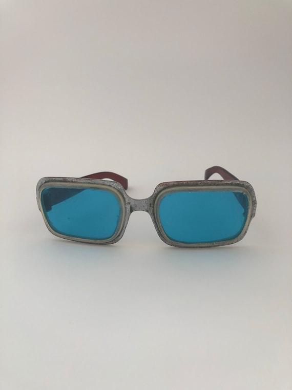 Unique glasses. Romantic glasses. Original glasses