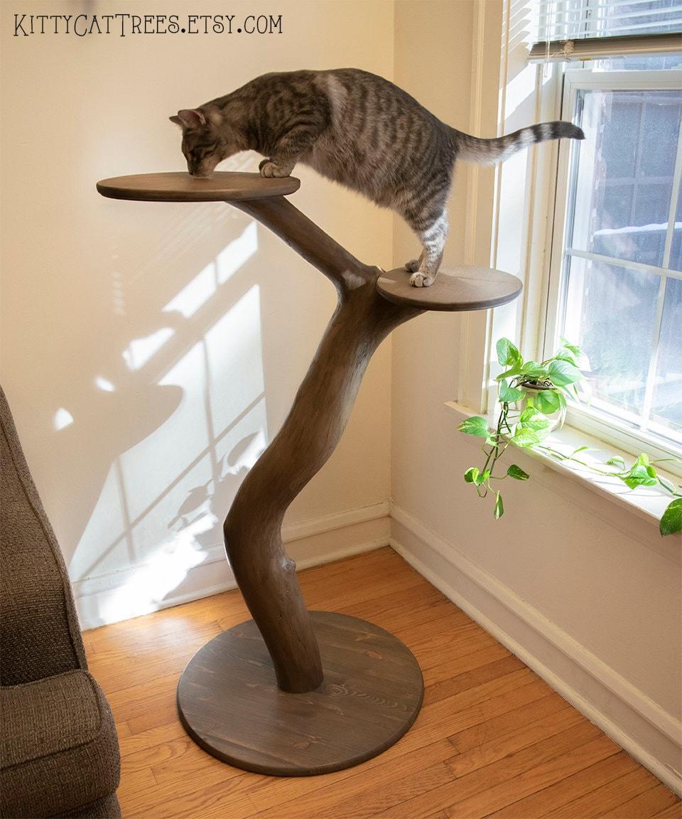 NATURAL HANDMADE CAT TREE