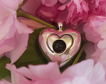 Heart pendant with a Projection Lens - custom personalized photo or message