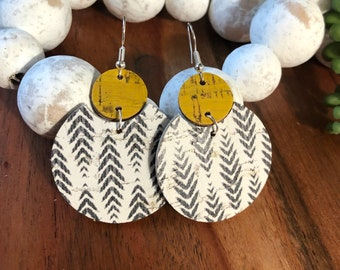 Arrowhead and yellow cork on leather earrings