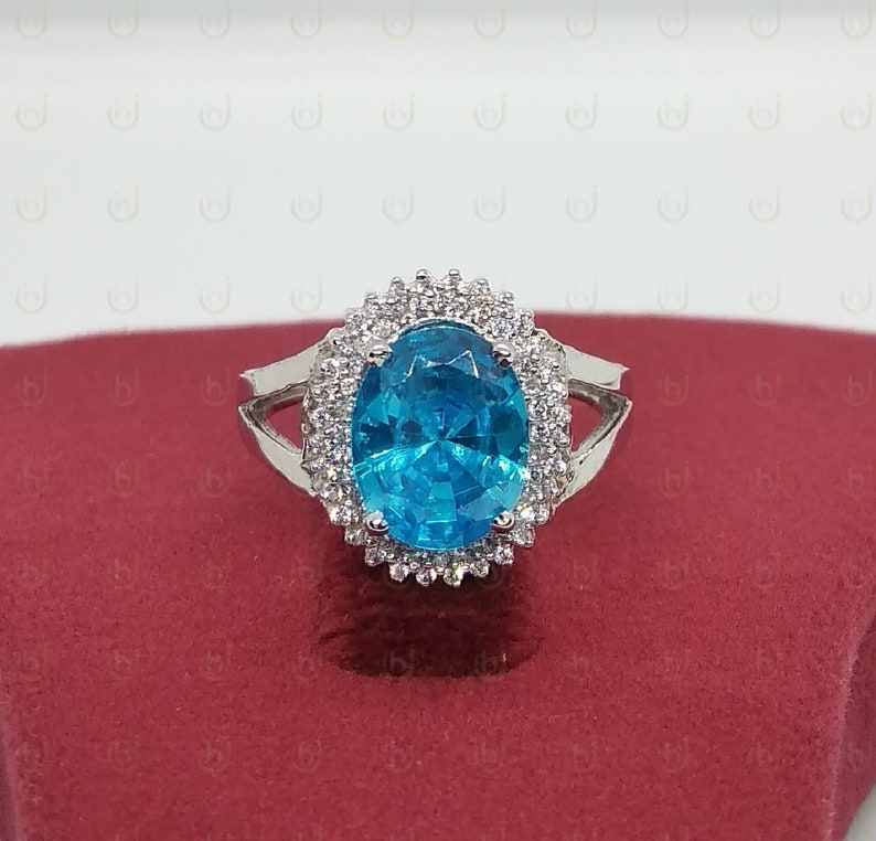 Cluster Ring 4.70 Carat Oval Cut Aquamarine Art Deco Engagement Ring In 925 Sterling Silver
