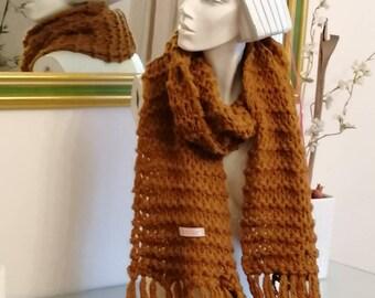 325cfe64d50 Echarpe en laine tricotée mains