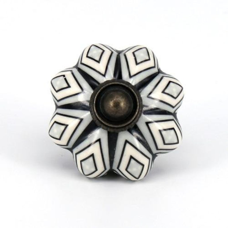 Width: 41mm Albacete  Vintage-Style Ceramic Knobs 15 Styles Hardware for Cabinets and Drawers 1 58 Multi-Pack Savings.