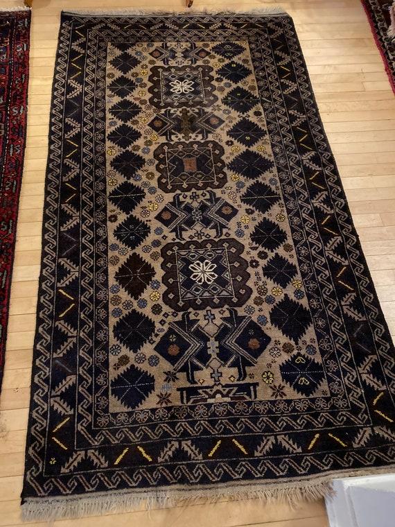 "Mustafa rug 3'8""x6'8"""