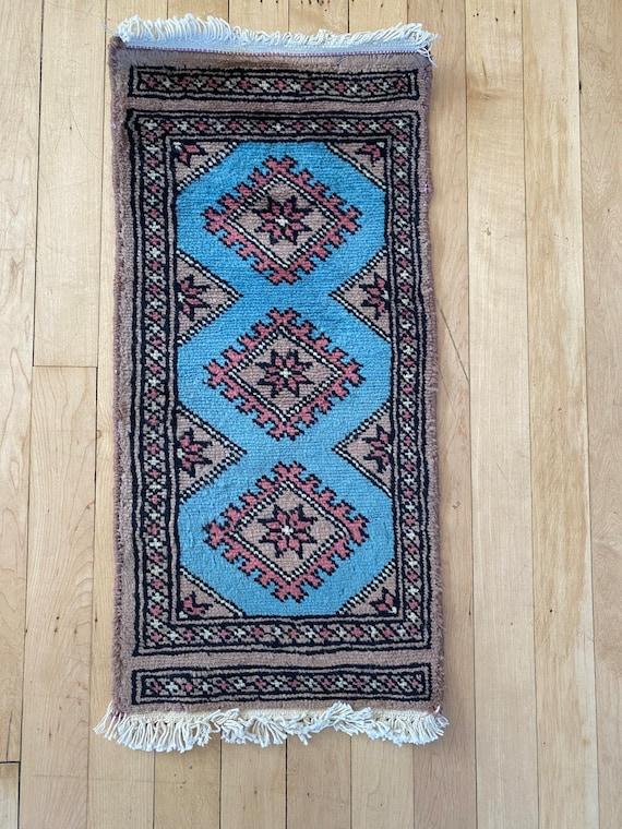 Karachi mini rug 2'x1'