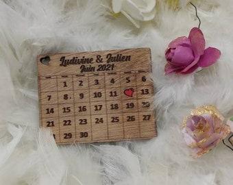 Wedding date calendar in magnet