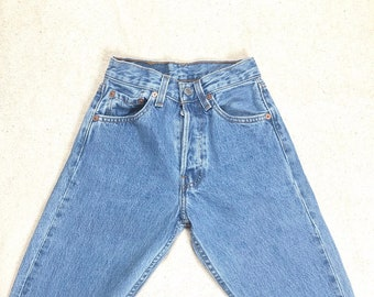 7050e70b rare Vintage Levis 501 JEANS W 23 24 Inch Waist size XXS made in USA 00