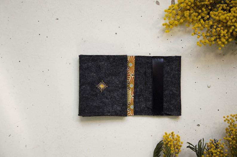 POKETRA.03 The minimalist and practical portfolio