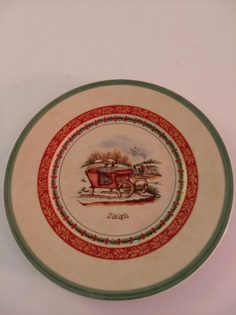 Set of Four Villeroy /& Boch House and Garden Collection Festive Memories Winter Scenes Porcelain Snowman and Sleigh SaladDessert Plates