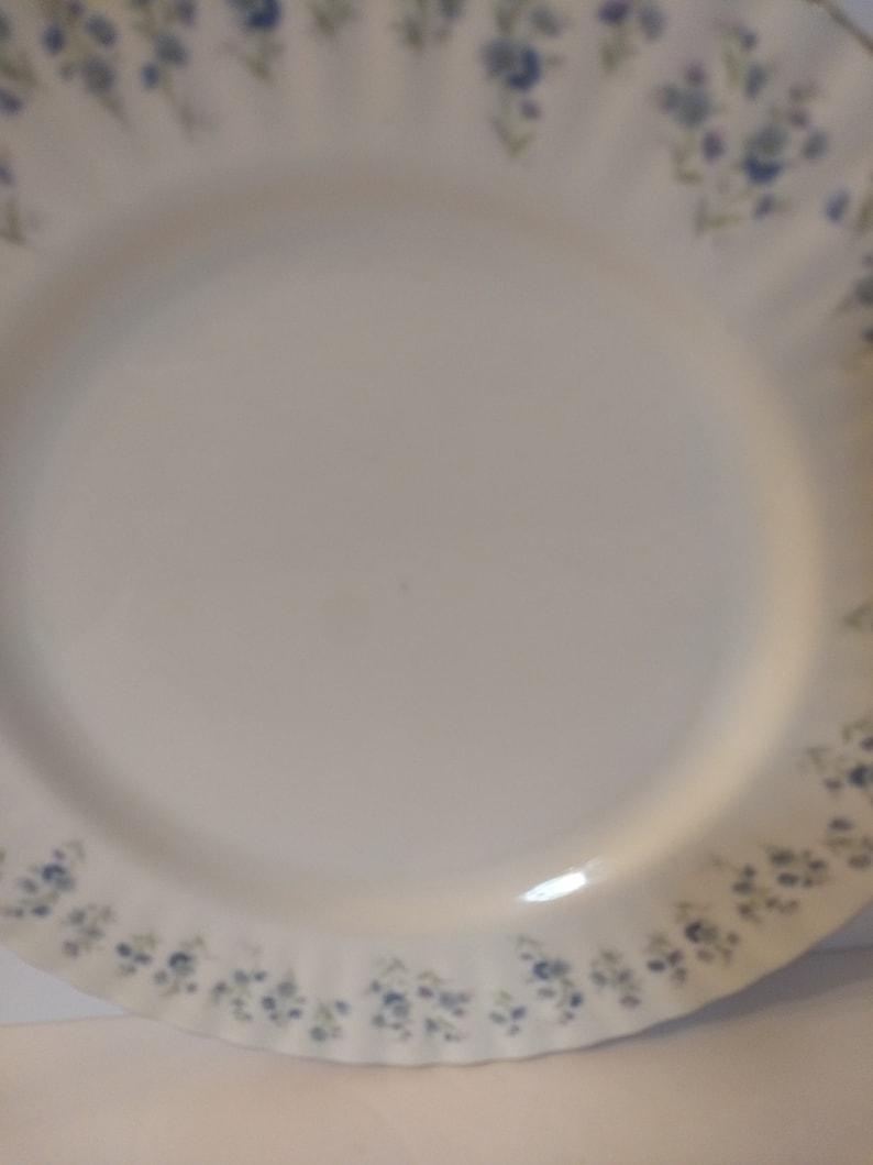 Set Of Six Vintage Made In England Royal Albert Bone China Memory Lane Dinner Plates