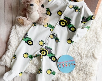 Unisex tractor sleepsuit, tractor baby clothes, farm baby clothes, new baby gift, tractor outfit baby boy, baby clothes with a farm theme,