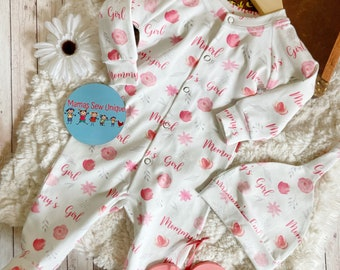 Baby Mommy's girl sleepsuit and hat set, baby girl gift, baby shower gift, baby girl sleepsuit, baby gift set, baby girl clothes, baby grow