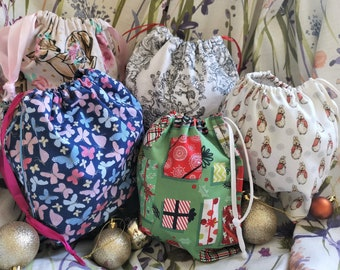 Cotton gift bag -  Christmsas gifting - Re-usable, lined gift bags UK - 3 sizes + jewellery pouch - Fabric Wrap