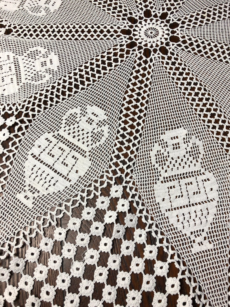 Floral Table Cover Bohemian Decor Hand Crochet 3\u2019 8\u2019\u2019 Round Tablecloth