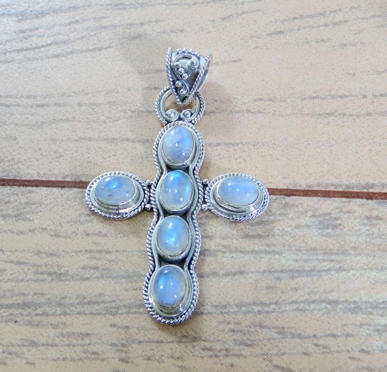 NATURAL RAINBOW MOONSTONE PendantGraceful Hand Made Pendant925 Sterling Silver JewelryBirthday GiftNatural Stone PendantBoho Pendant.
