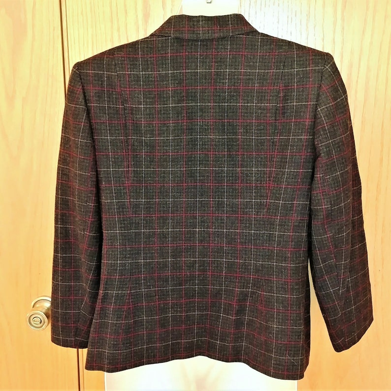 100/% Virgin Wool Vintage PENDLETON Plaid Norfolk Jacket Size 16 Charcoal Gray Red and Tan Single Breasted Four Button Flap Pockets