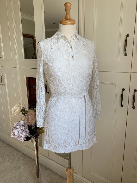 Vintage 1960s white lace mini dress longsleeved we