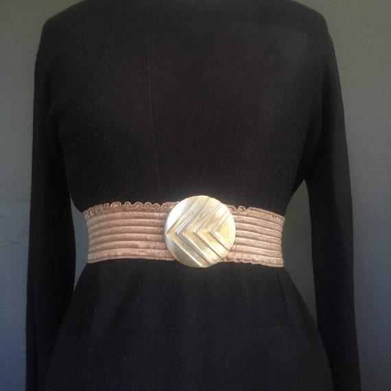 Vintage 1980s gold elasticated stretch belt