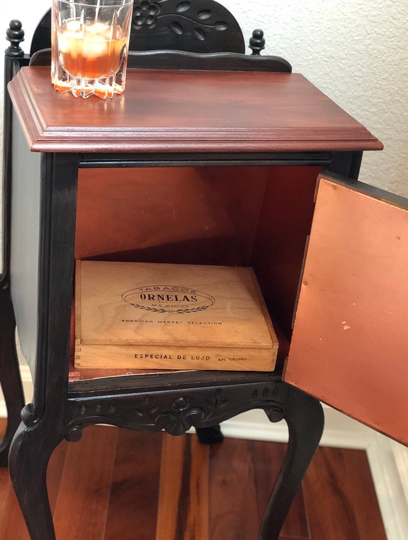 SOLD! Humidor for the Connoissuer DO NOT order!!