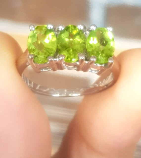 Genuine Natural 1.79ct Green Peridot  Solid 925 Sterling Silver Ring Band Wedding Anniversary Engagement Statement Cocktail Dress Wedding