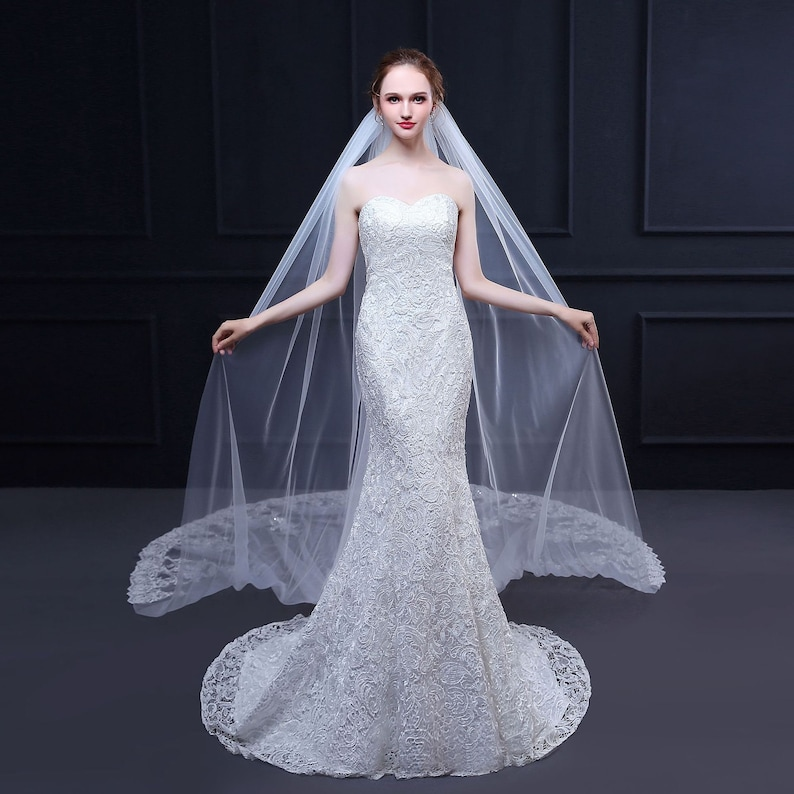 3.5 Meters Ivory Elegant Cathedral Bridal Wedding Veil,Long Lace Veil With Comb,With Lace Edge Around