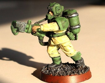 Cadian soldier figure with Warhammer 40000 flame launcher