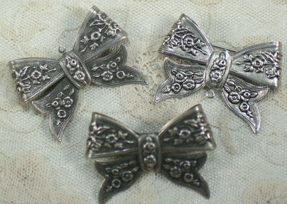 1 pc DIY PinPendant Assemblage Couture Silver Bow Large Brass Bow Stamping Victorian Brass Bow Victorian Flower Bow PendantBrooch